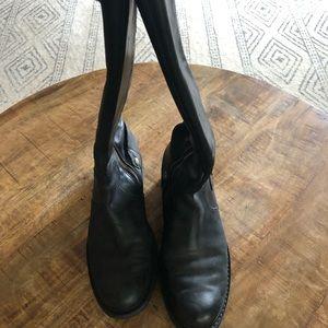 Women's Size 8 Timberland Boots. Black